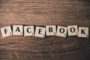 bokstaver-facebook-tre-brikker-scrabble