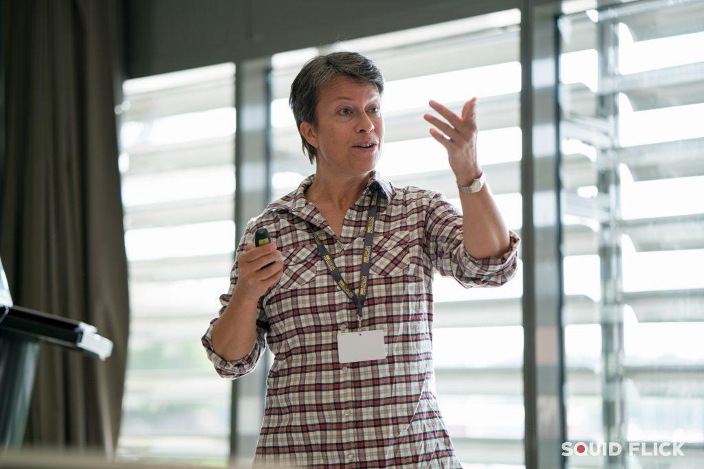 Foredrag på store og små scener. Fotokred.: www.squidflick.com