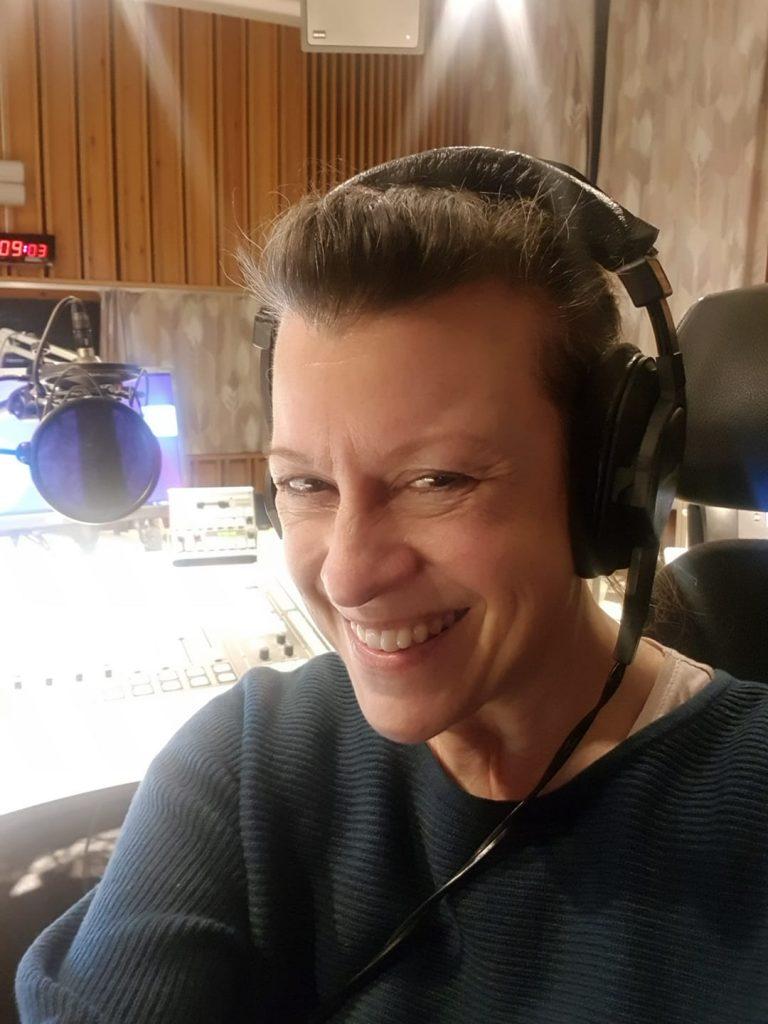 Tekstdoktor Christine Calvert, intervju i NRK P2, om emojis og kommunikasjon